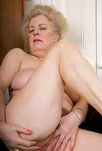 Mature old granny, photo set 464