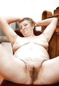 MATURES AND GRANNIES STILL VERY HOT AND DESIRABLE! -3-