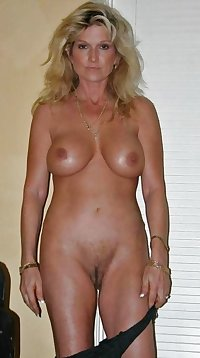 MATURE AND GRANNIES 82
