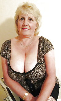 Various granny mature bbw busty clothes lingerie 4