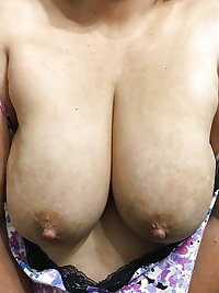AMATEUR MATURES GRANNIES BBW BIG BOOBS BIG ASS 76