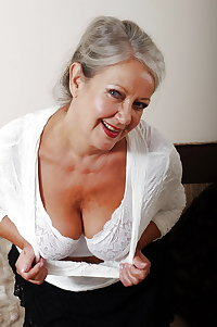 Real amateur European granny expose