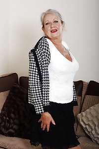 Real amateur European granny expose
