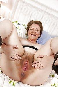 Hairy Cunt Grannies & Mums