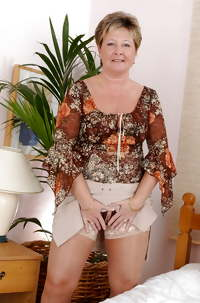 Mature Gold: Big Sexy Mama