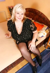 Milf Juliana from OlderWomanFun
