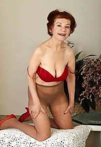 Granny & Gilfs - Mature & Milfs