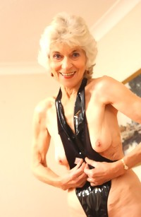 This granny nympho gets wet on dildo