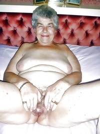 This granny honey loves showing her body