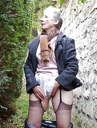 This granny mama gets a hard cock to handle