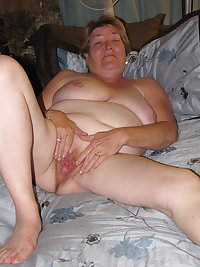 The granny pussy hole is fucked by the young men and they jizz her face so very well