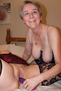 This hot granny slut really loves to suck cock