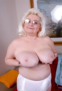 These granny ladies love to exercise naked