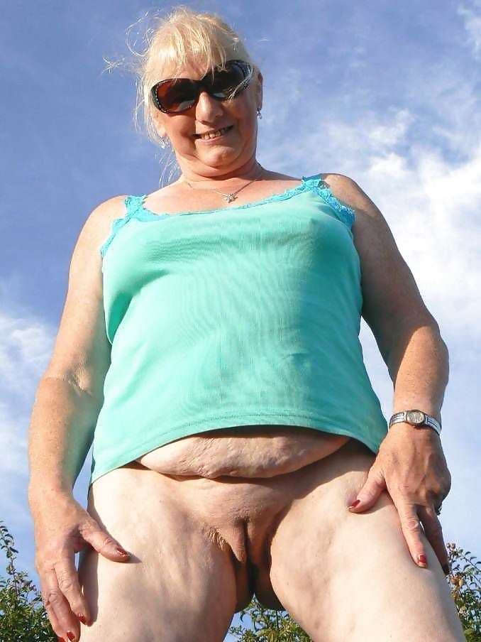 Cameltoe Hairy Mature HQporner 1