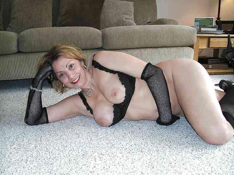 Amateur woman masterbating porn